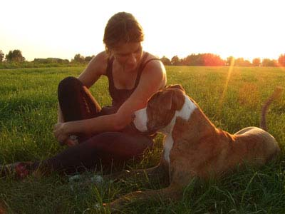 Selma Bayrak met haar hond Gosse